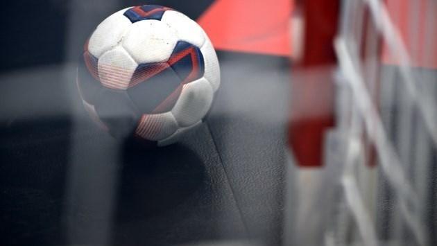 Handbalsters V&L moeiteloos langs Voorwaarts