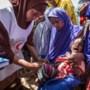Honderden miljoenen mensen lijden honger, Rode Kruis opent Giro 6868