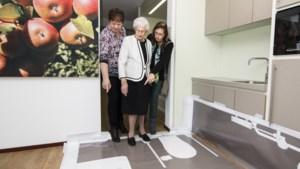 Toekomstige bewoners nemen in Bocholtz kijkje in nieuw zorgcentrum Hoeve Overhuizen