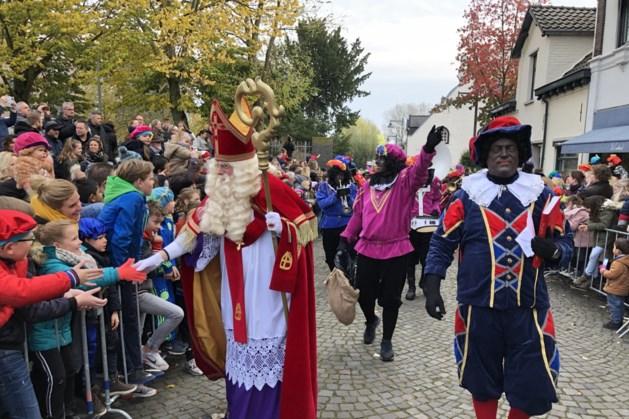 Duizenden kinderen verwelkomen Sinterklaas in Blerick