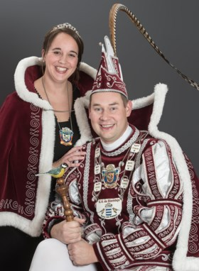 Prins Mark I en prinses Loes gaan Biemösje uit Posterholt voor