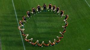 Betaald voetbalclubs leggen wedstrijd één minuut stil tegen racisme