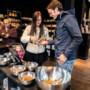 Proeven in Venlose pepernotenwinkel: wordt het stroopwafel of toch appeltaart?