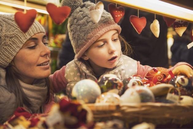 Overdekte tweedaagse kerstmarkt op Elzasplein in Sittard