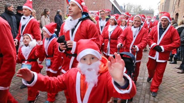 Santa Walk, the Quest Edition in Weert