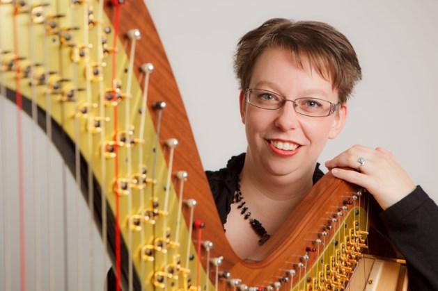 Harpconcert Loes van Dijk in Hoës van Bree