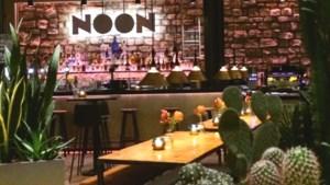 Borden 'sharen' in trendy Noon in Maastricht