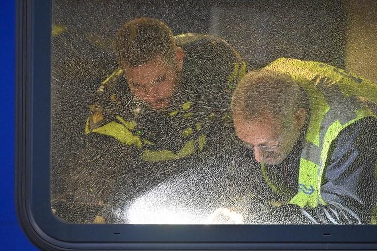 Trein bij Breda mogelijk beschoten, vijf ruiten gesneuveld