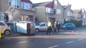 Automobilist onwel: botsing tegen meerdere geparkeerde auto's
