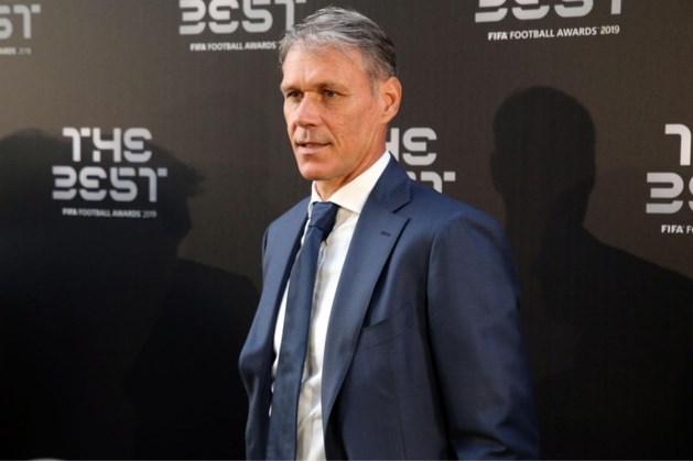 Van Basten belt Duitse Heracles-trainer om excuses aan te bieden over uitglijder