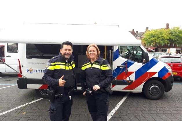 Wijkagenten trekken gemeente Beek in met mobiele wijkbus