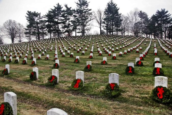 Amerikaanse traditie: achtduizend kransen op begraafplaats Margraten
