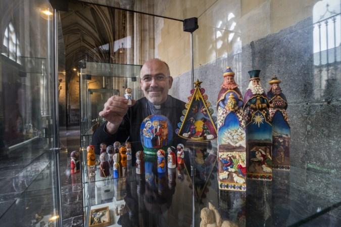 Pastoor gaat met kerststallenexpo in Servaas tijdens Magisch Maastricht verder dan het Coca Cola-verhaal