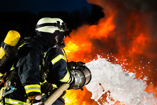 Jongen steekt school in brand om ouderavond te voorkomen