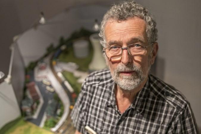Modelspoorbaanbouwer Ad Mulder: 'Inmiddels staat de derde versie van mijn woning langs het spoor'