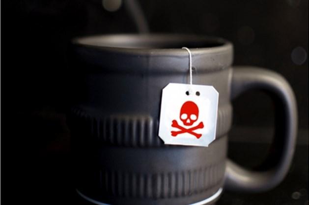 Leerlinge vergiftigt thee van lerares die nu ernstige tongschade heeft