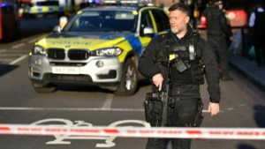Terreurdaad Londen: twee voorbijgangers overleden, doodgeschoten dader droeg nepbom