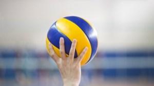 Volleybalsters Fast in vijf sets onderuit