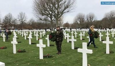 Video: Kransen gelegd bij alle graven op Margraten: de doden en veteranen worden niet vergeten