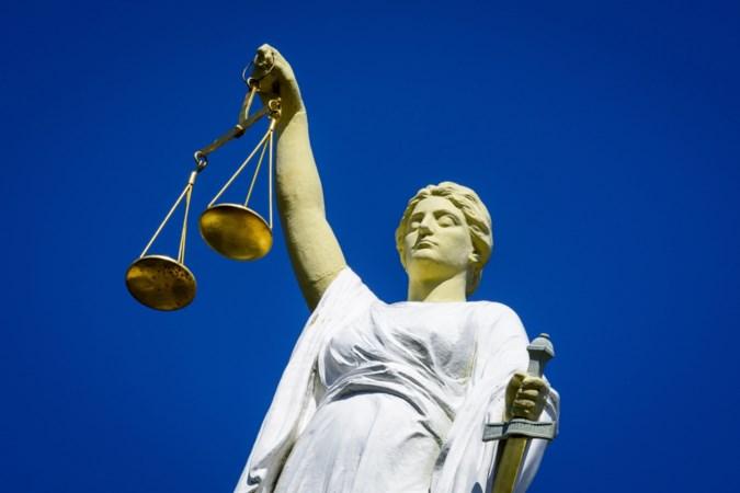 Rechter geeft woonwagenbewoner zonder huurcontract vier weken de tijd om woning in Stein te verlaten