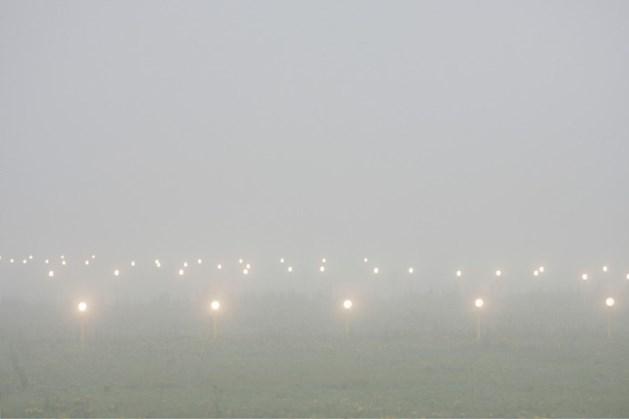 Geen vliegverkeer Eindhoven Airport door mist