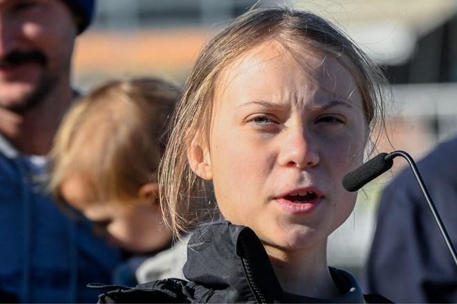 Greta Thunberg bij aankomst in Lissabon: 'Ik, een boos kind?'