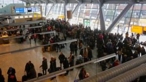 Vliegverkeer op Eindhoven wordt opgestart na mist