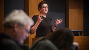 Punt achter 'woningaffaire': Penn gaat werken aan haar voelsprieten