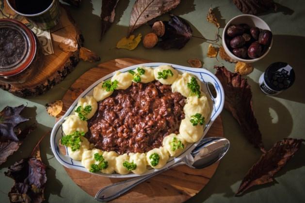 Recept: Onthaast met deze heerlijke jachtschotel en aardappelpuree van Oma Annie