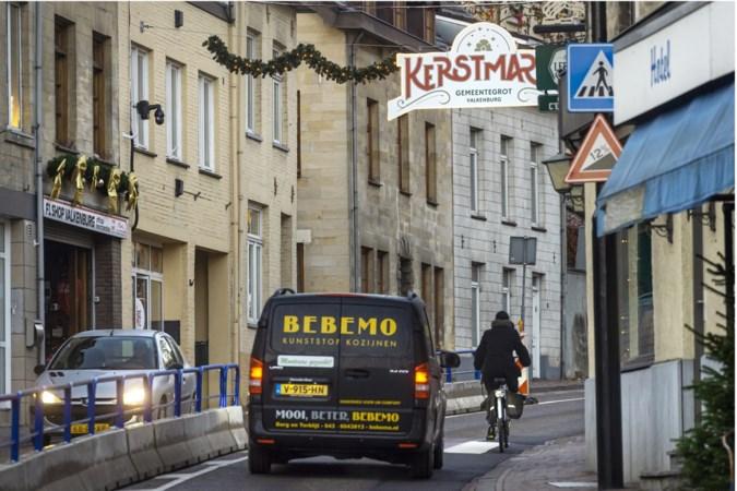Fietsers in het nauw bij wegversmalling voor Valkenburgse kerstgrotten