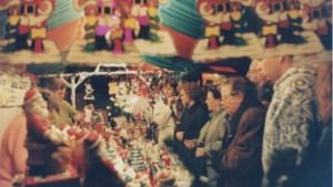 Kerstmarkt met expositie kerstgroepen in kerk