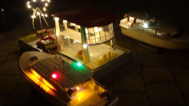 Lichtjestocht met muziek en kerstmarkt in Auxiliatrixpark