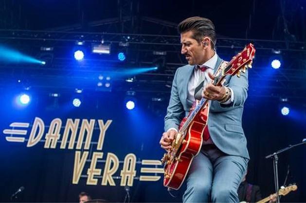 Danny Vera hoogste binnenkomer ooit in de Top 2000, maar wat doet de boerenhymne van Normaal?