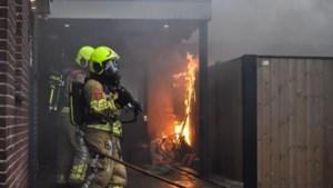 Brandweer rukt uit voor brand in garage
