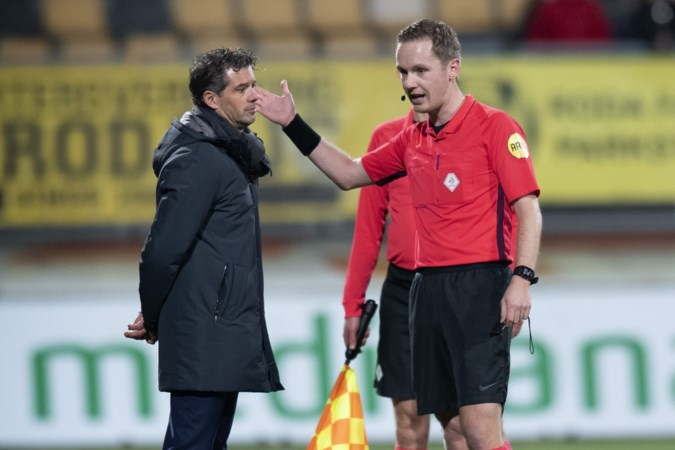 Roda-coach De Jong: 'Moeten er schepje bovenop doen'