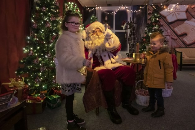 Kerstman neemt intrek in Santa's House Roermond