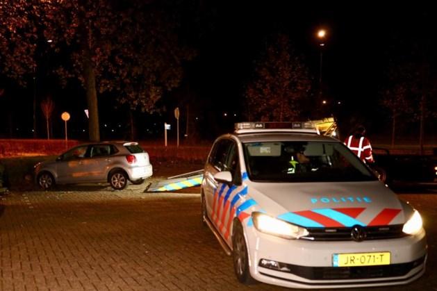 Overleden persoon aangetroffen in geparkeerde auto