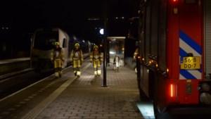 Brand in passagierstrein: inzittenden geëvacueerd