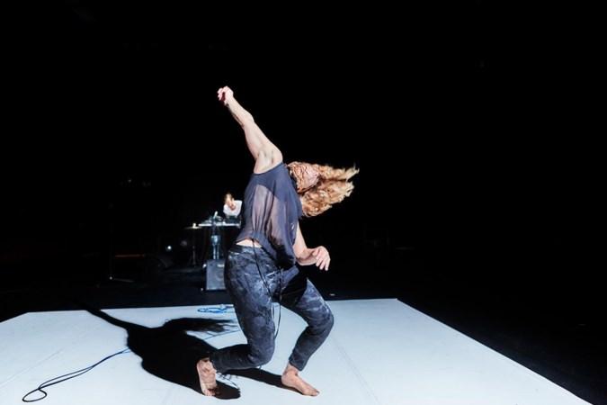 Audrey en Jan delen dans en liefde in hun voorstelling Labour of Love