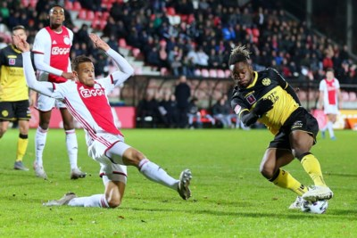 Talentenklas van Ajax geeft Roda harde les in effectiviteit
