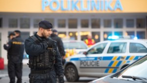Man schiet zes mensen in wachtkamer Tsjechië dood en pleegt zelfmoord