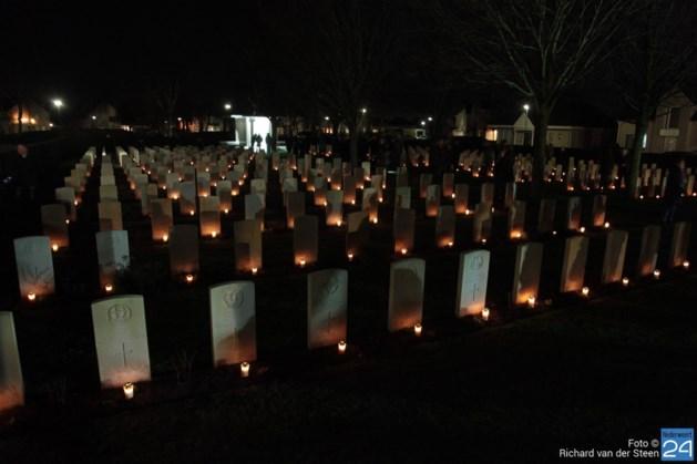 Toenemende belangstelling voor kerstavond tussen oorlogsgraven Nederweert