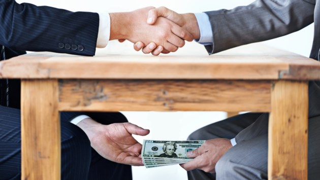 Tuchtcommissie voor bankiers legt beroepsverbod van twee jaar op