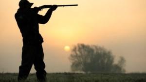 Zes Limburgse jagers krijgen vergunning en wapens terug