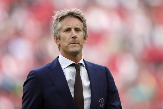 Van der Sar na kater Ajax: 'Aanhaken bij de top, dat doel is niet ineens weg'