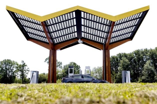 Nederland telt meer dan 50.000 laadpunten voor stekkerauto's