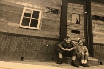 Lezersbrieven over de bevrijding: 'De fotozaak was nog dichtgetimmerd'