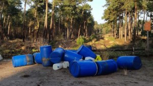 Lege drugsvaten gedumpt in bossen bij Maarheeze