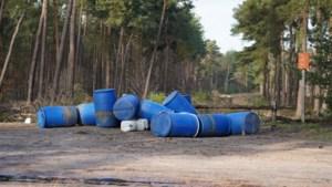Vaten voor drugsproductie gedumpt in bosgebied langs A2