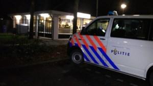 Mannen overvallen cafetaria en bedreigen passant bij vluchtpoging